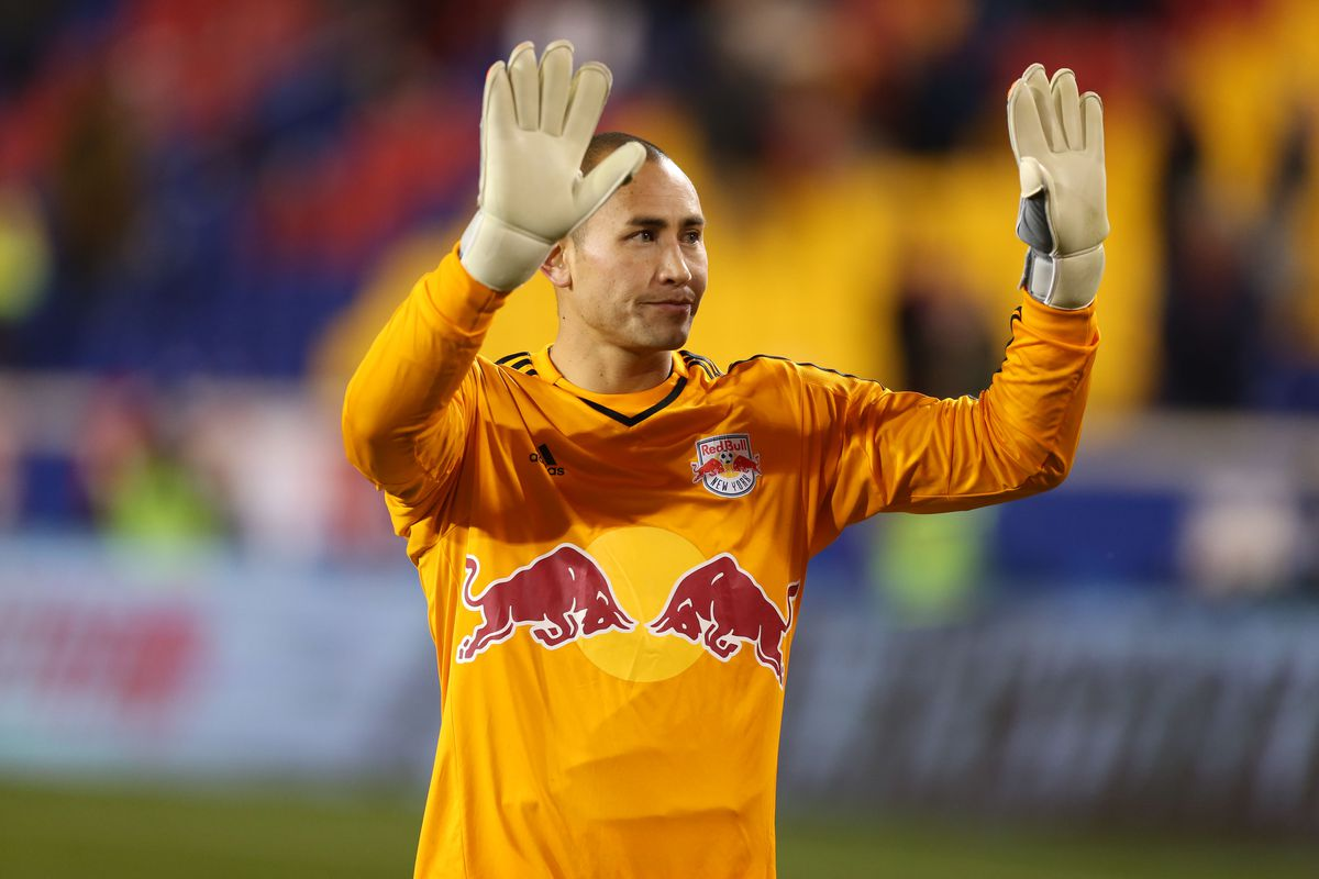 Robles waiving to the supporters