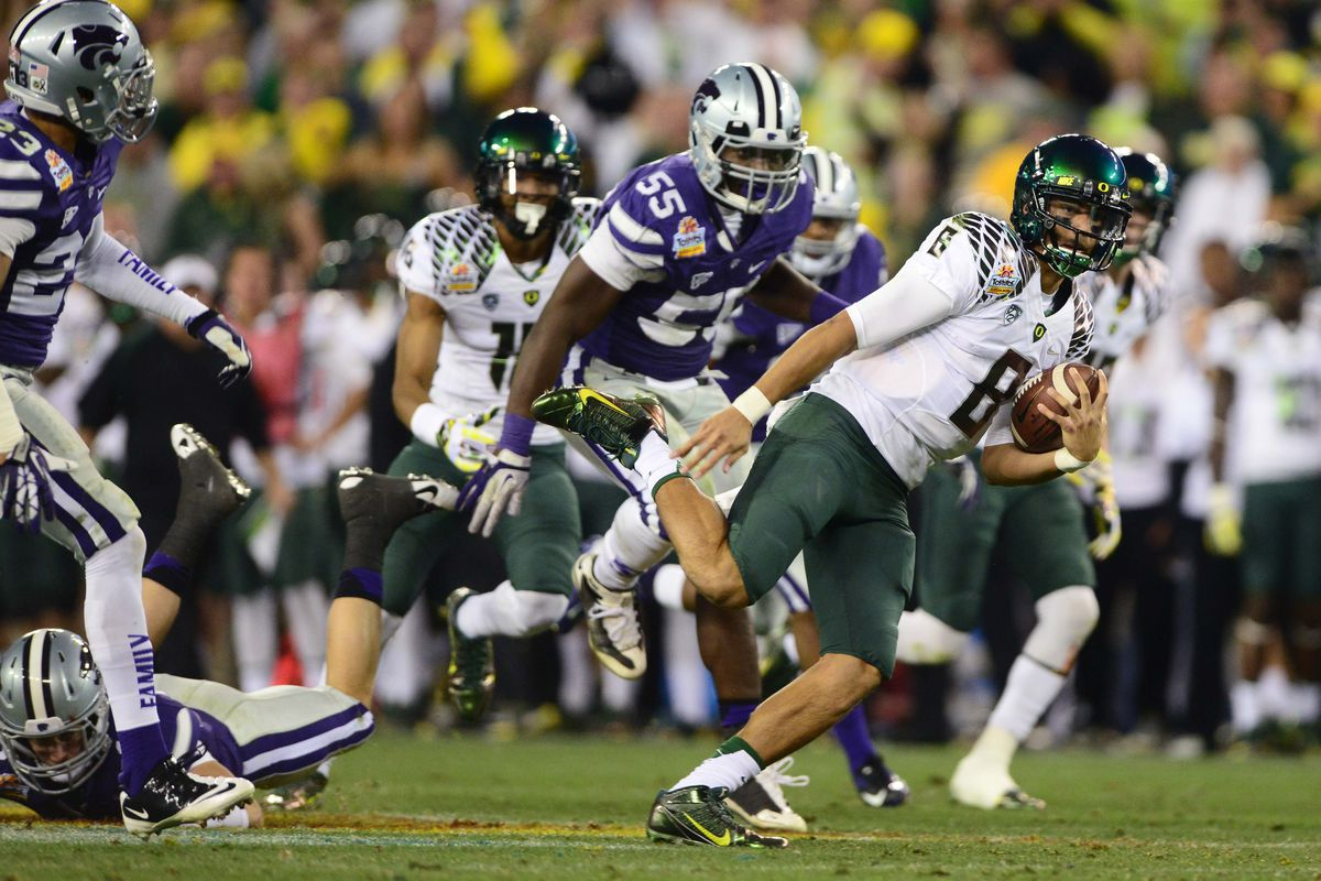 Mariota's dual threat ability makes him the cream of the crop
