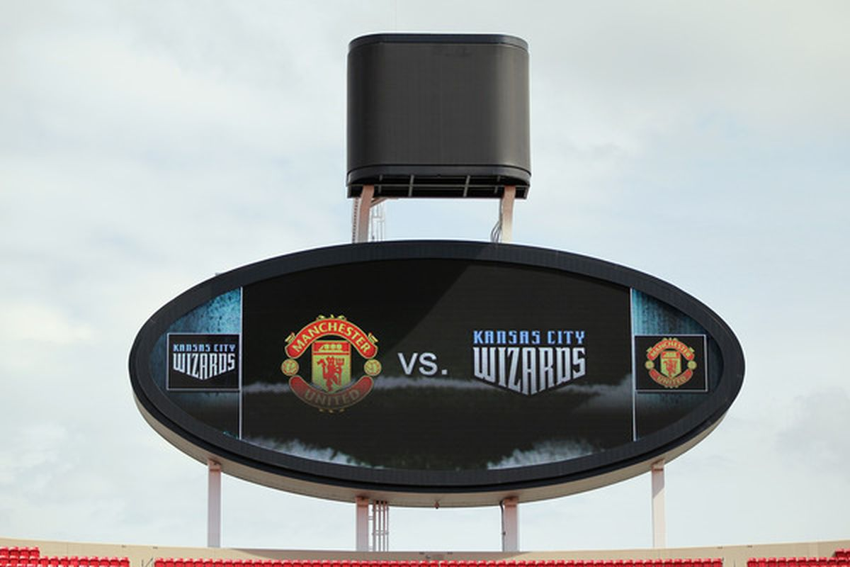 KANSAS CITY MO - JULY 25:  A scoreboard displays the matchup prior to the game between Manchester United and the Kansas City Wizards at Arrowhead Stadium on July 25 2010 in Kansas City Missouri.  (Photo by Jamie Squire/Getty Images)