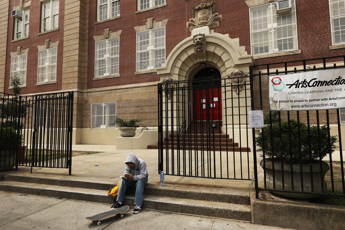 Governor Cuomo And Mayor De Blasio Argue Over New York School Closures Until Fall