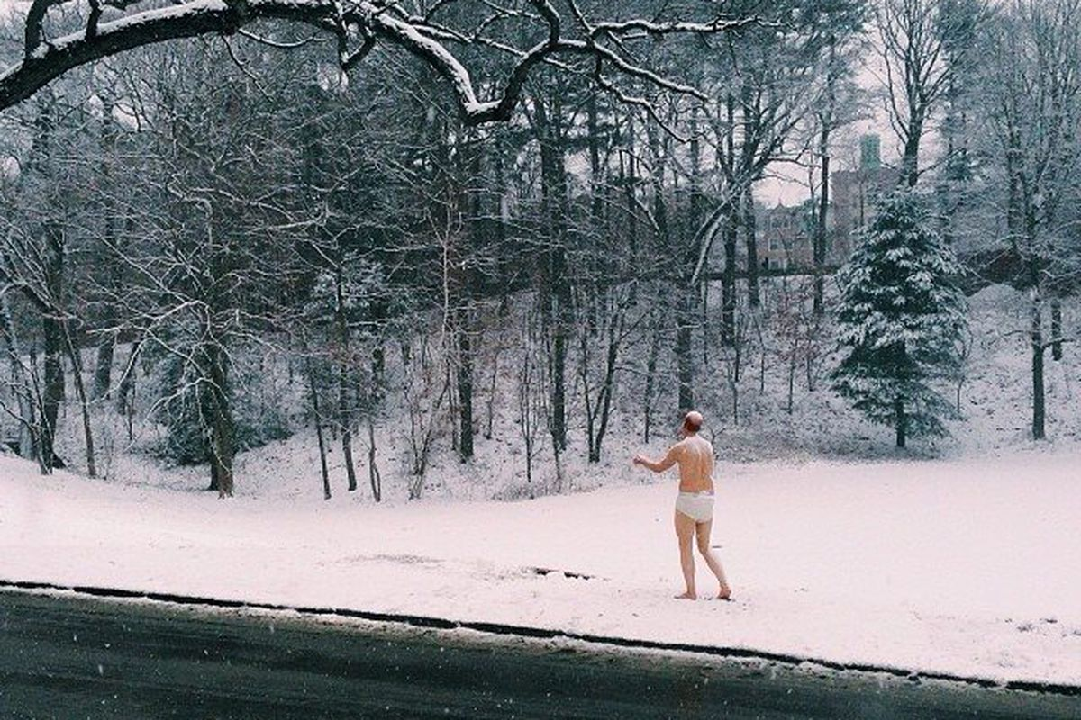 Half-Naked Male Sleepwalker Statue Gets A Frosty Reception At All-Girls College - The -4224