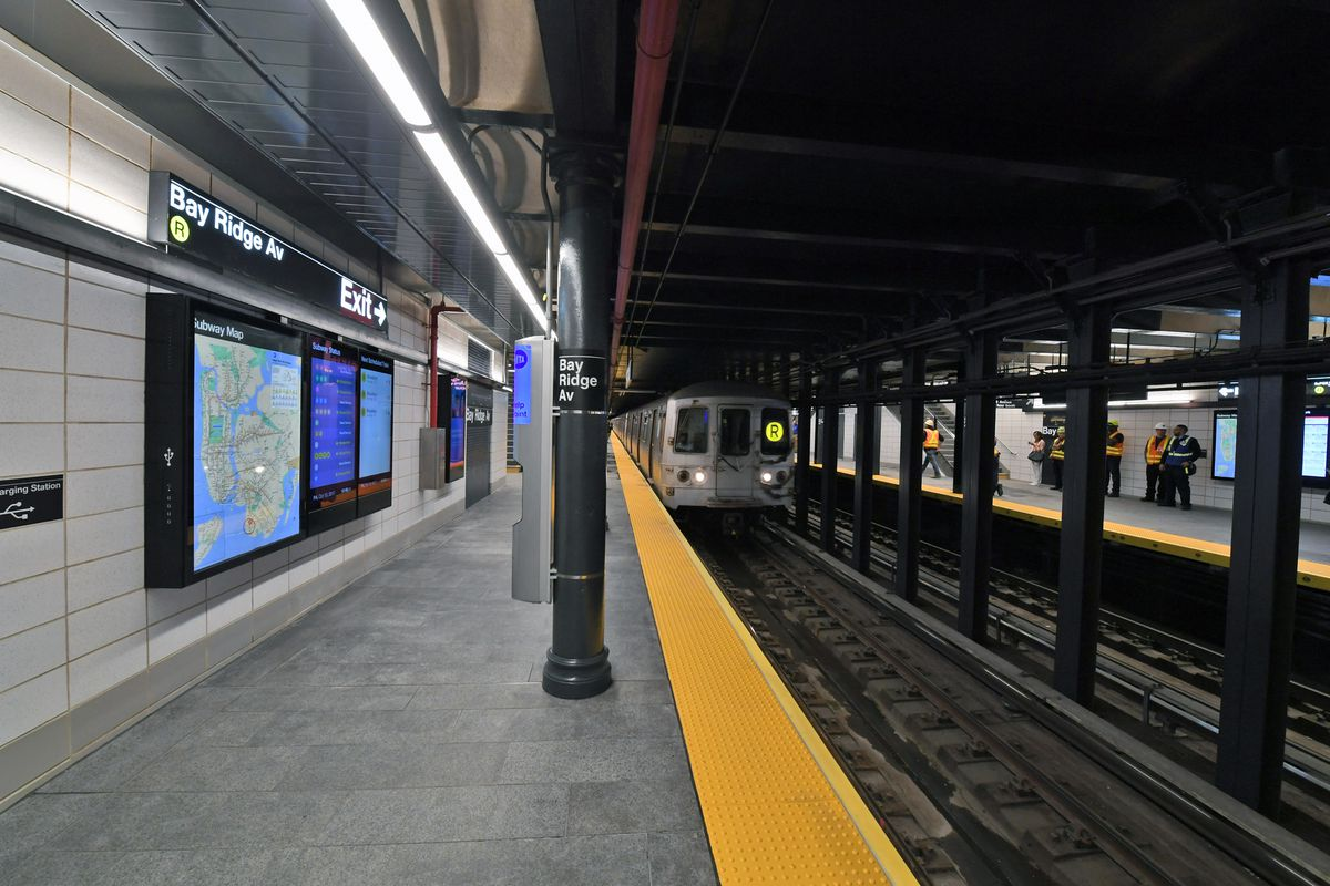 Mta reopens bay ridge avenue station after six month for Renovation wiki