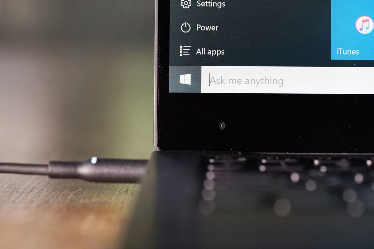 Windows 10 review microsoft takes a step back to move forward recode mike kepka urtaz Choice Image