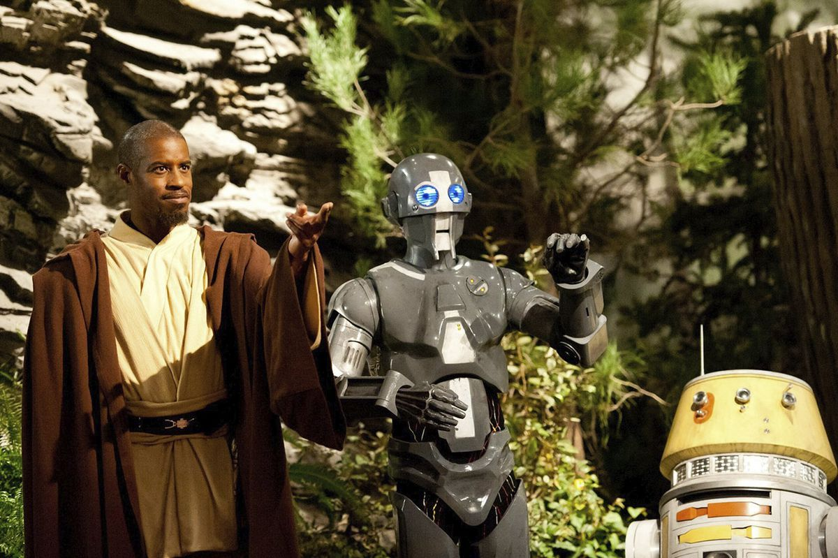 Best, as Jedi Kelleran Beq,is joined by droid AD-3 and the astromech LX-R5 on Star Wars: Jedi Temple Challenge