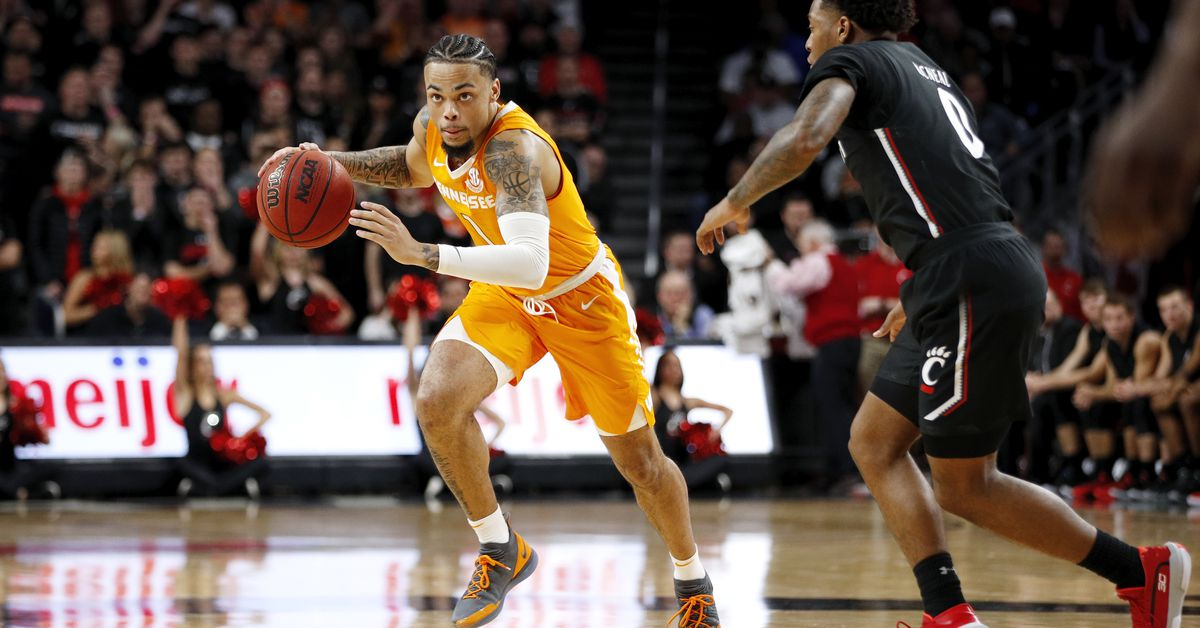 Tennessee Basketball: Previewing The SEC Opener Against