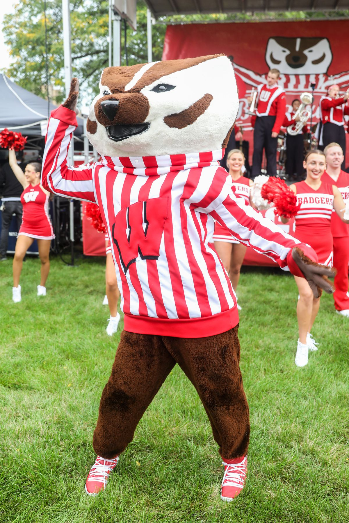 """<p zoompage-fontsize=""""15"""" style="""""""">COLLEGE FOOTBALL: SEP 21 Michigan at Wisconsin"""