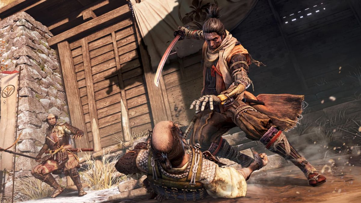 The hero of Sekiro prepares to stab an enemy.