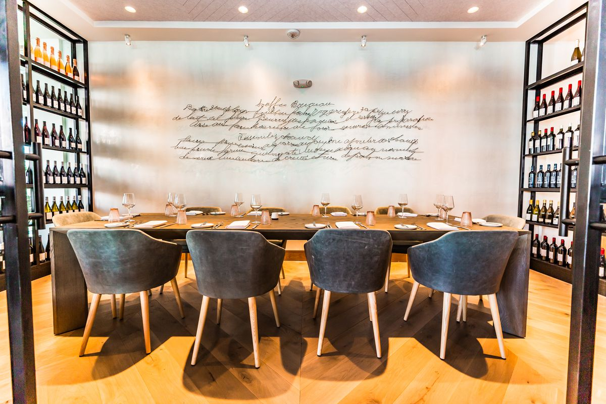 French Restaurant Aix And Wine Bar Tin Tin Open On Brady