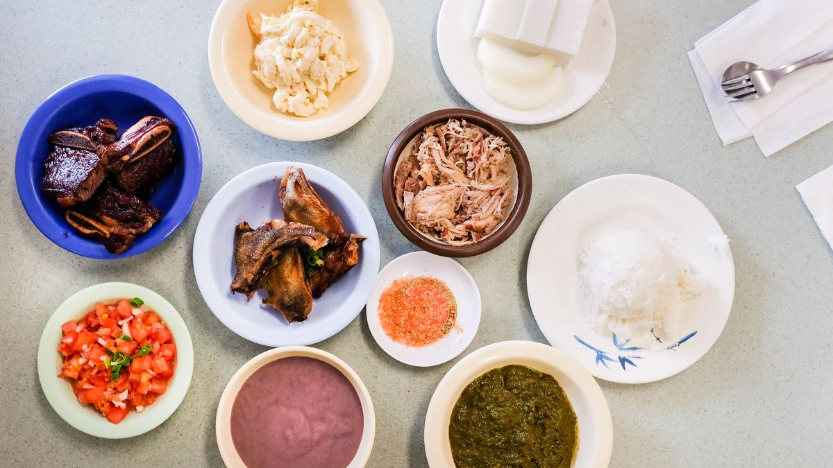A cheat sheet to food in hawaii eater the spread at helenas meghan mccarron forumfinder Image collections