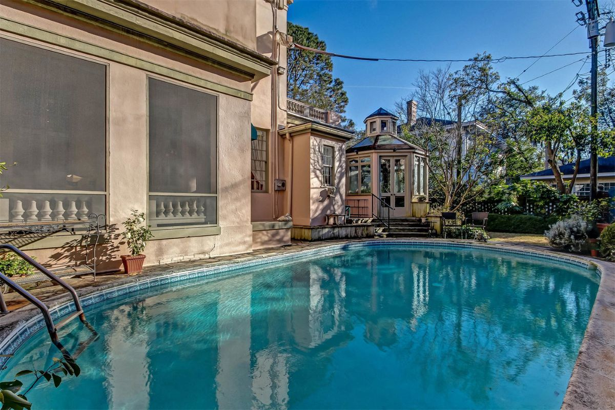 Majestic 1911 home wants $1.1M in Savannah - Curbed