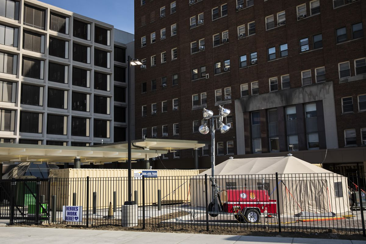 During the initial COVID-19 surge last spring, Mount Sinai Hospital, at 15th Street and California Avenue on the West Side, was one of many hospitals that set up tents and triage areas on their grounds to conduct coronavirus testing.