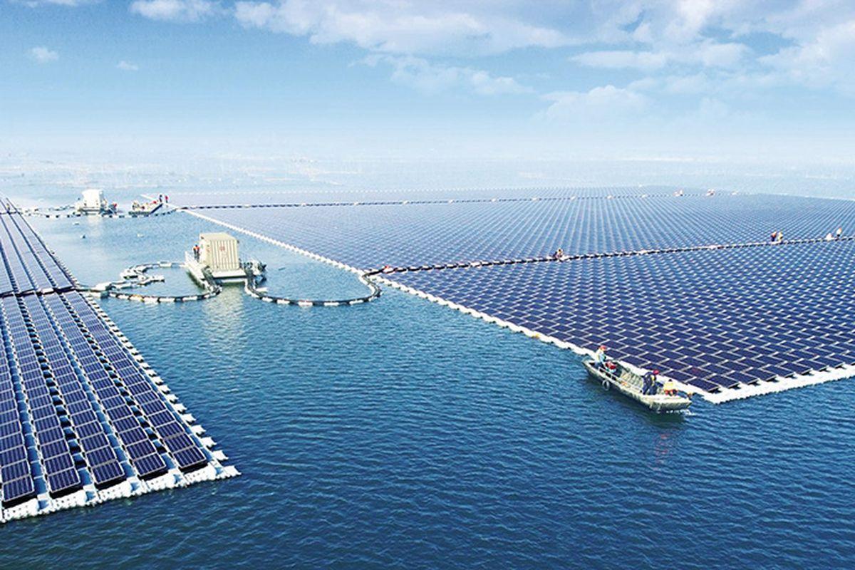 floating solar farm in China