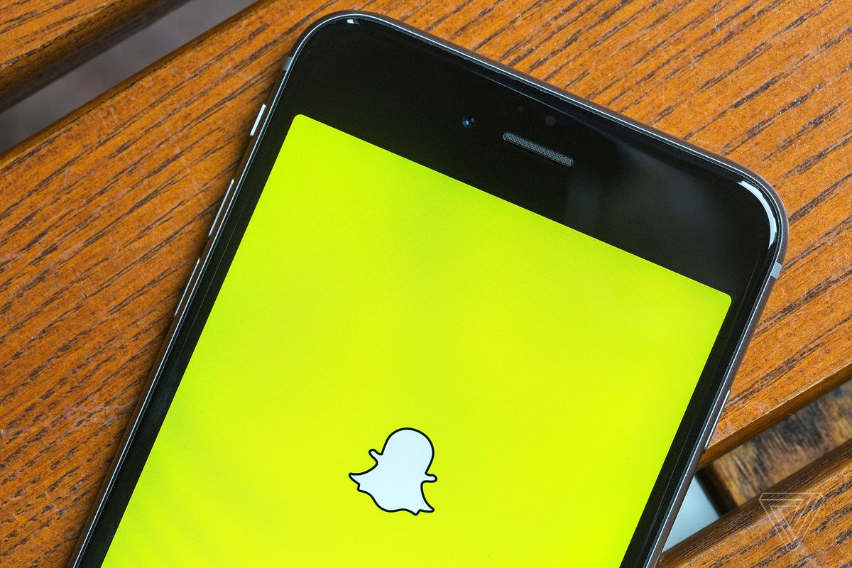 Snapchat now lets you animate your Bitmoji in your snaps