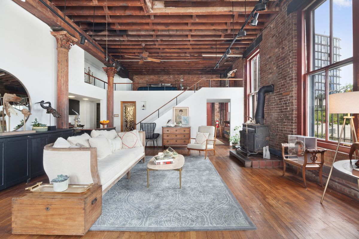 Charming Brooklyn Heights Co Op In A Landmark Building