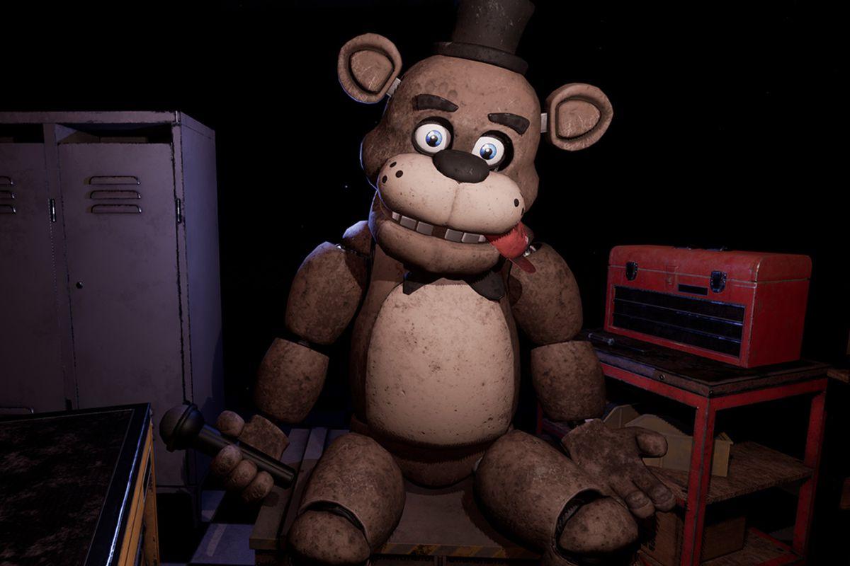 Animatronic bear Freddy Fazbear in a screenshot from Five Nights at Freddy's: Help Wanted