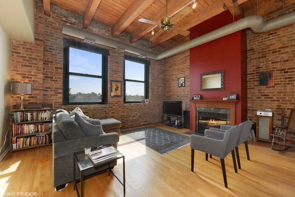 Spacious Wrigleyville Loft Can Be Had For 275k Curbed
