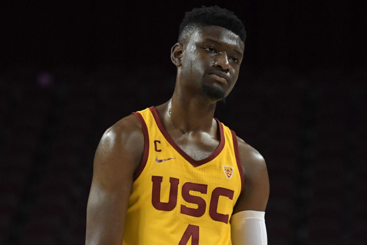 best website dbe42 5b3a1 USC's Chimezie Metu suspended for low blow against ...