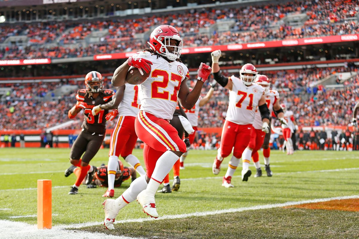 Browns vs. Chiefs Final Score: Cleveland unable to stop Pat Mahomes, lose  37-21 - Dawgs By Nature