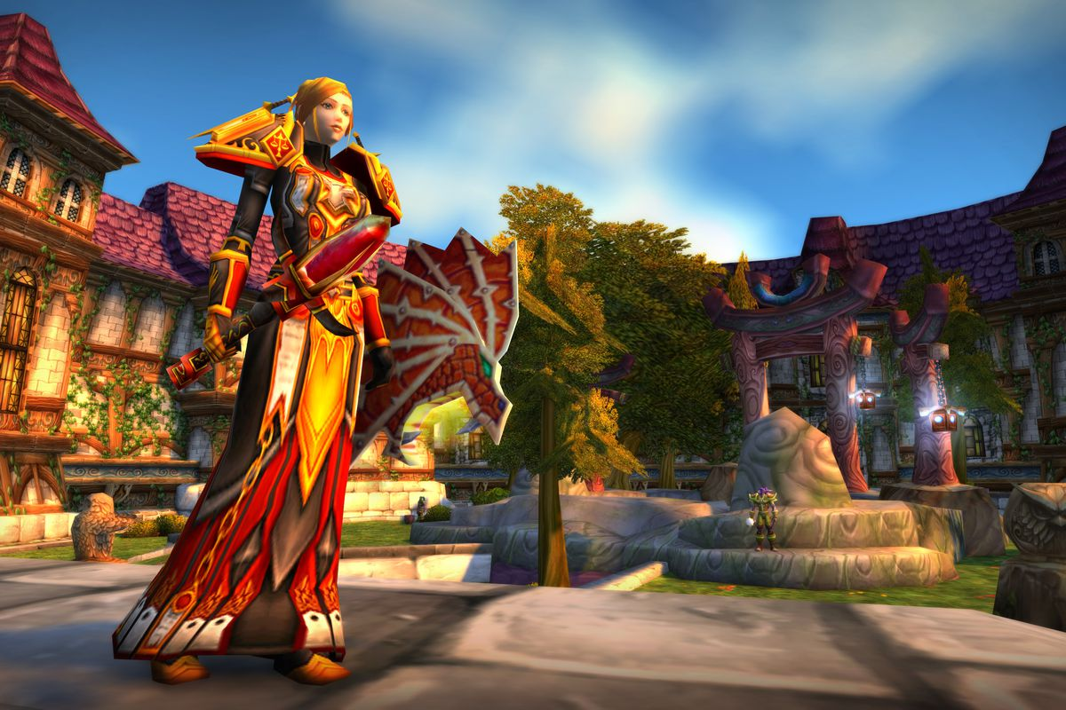 World of Warcraft Classic - a paladin in Stormwind