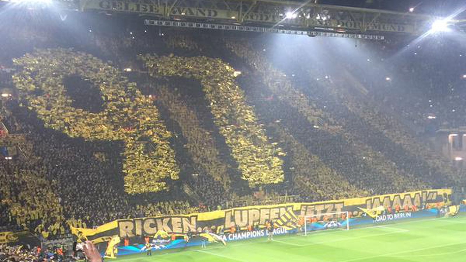 Dortmund Fans Impress With Another Massive Tifo Sbnation Com