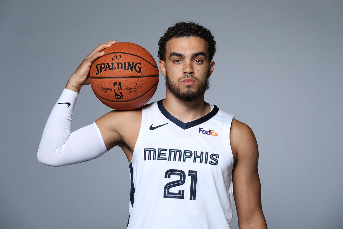 factory price c15ff 37153 Analyzing Tyus Jones' Fit in 2-Guard Lineups - Grizzly Bear ...