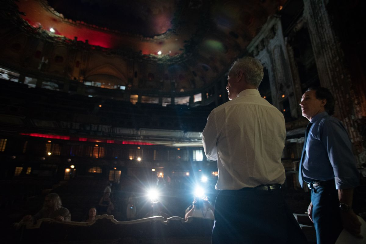 Mayor Rahm Emanuel reviews the Uptown Theater auditorium with owner Jerry Mickelson in 2018.