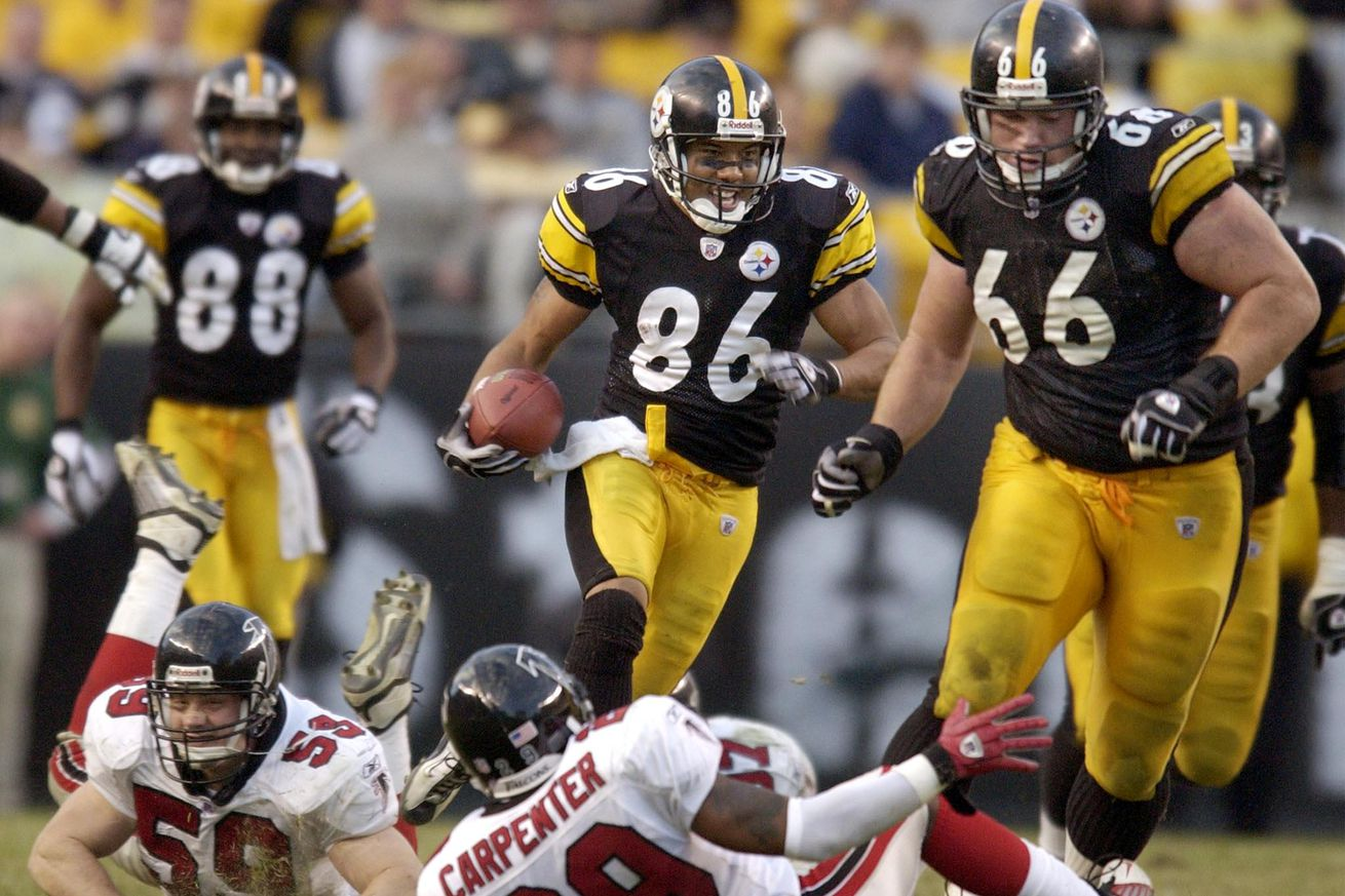 Pittsburgh Steelers' receiver Hines Ward (86) carr