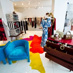 """Alice & Olivia <a href=""""http://ny.racked.com/archives/2011/05/02/alice_olivias_is_selling_gasp_vintage_on_madison_avenue.php"""" rel=""""nofollow"""">launched</a> a shop that also sells vintage on Madison and 66th in May. Photo by <a href=""""http://www.anna-fisc"""