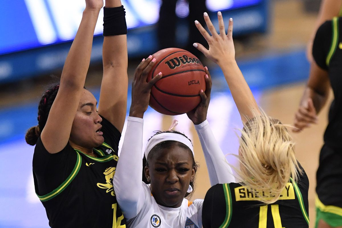 UCLA Bruins defeated the Oregon Ducks 83-56 during a NCAA basketball game.