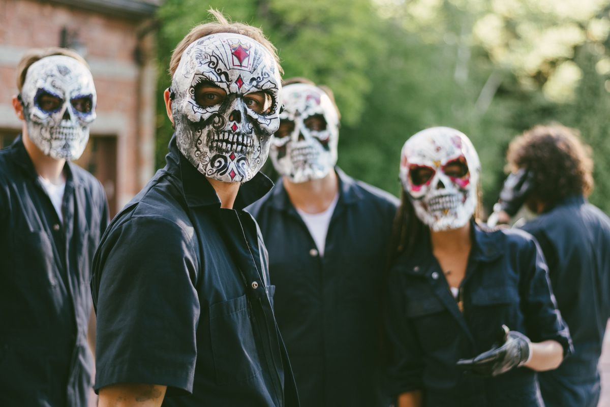 the echo boomers wear their skull masks