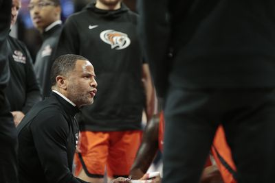 Damon-Stoudamire-Pacific-Tigers-Arizona-Wildcats-ben-jobe-national-coach-2020-Miller