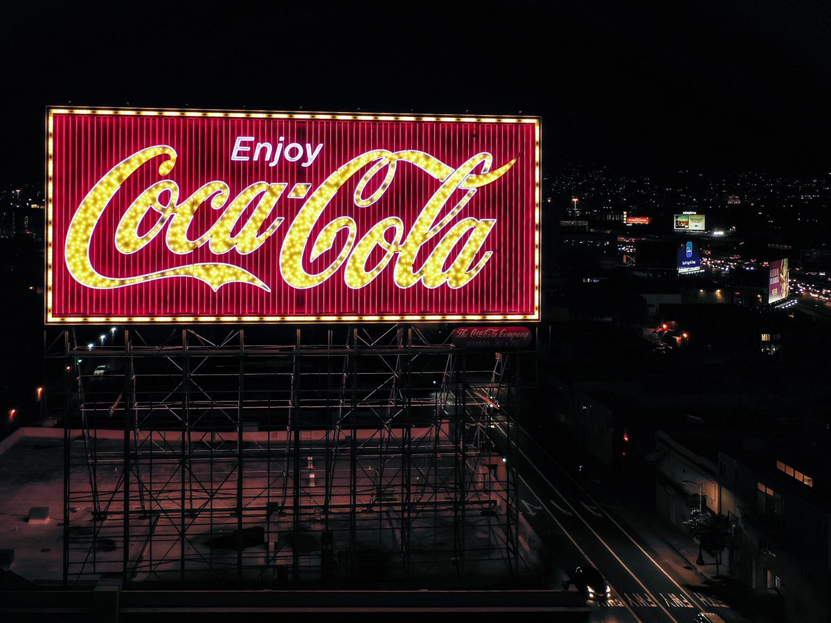 The neon sign maker that lit up California - Curbed LA