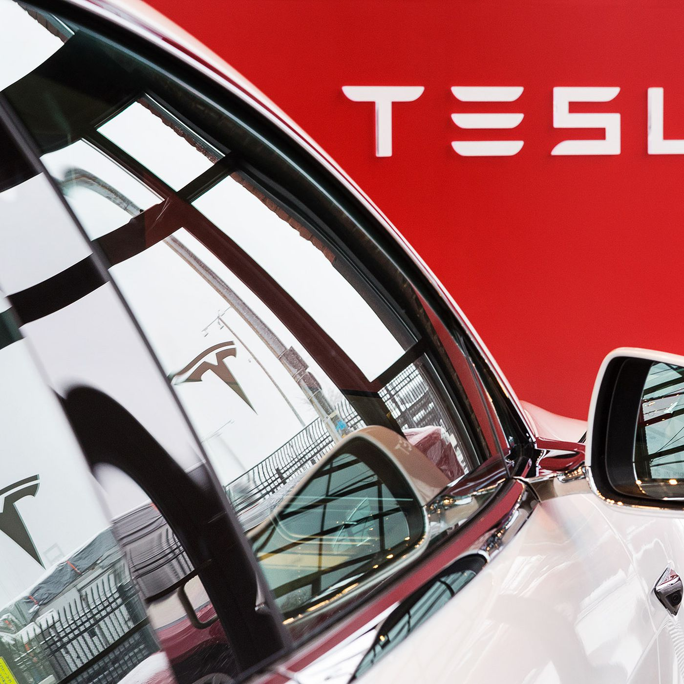 Tesla stopped promoting the 'Full Self-Driving' option for its cars