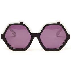 "<a href=""http://www.farfetch.com/shopping/women/house-of-holland-roofies-hexagonal-acetate-sunglasses-item-10306782.aspx""><strong>House of Holland</strong> 'Roofies' Hexagonal Acetate Sunglasses</a>, $215.16 on FarFetch"