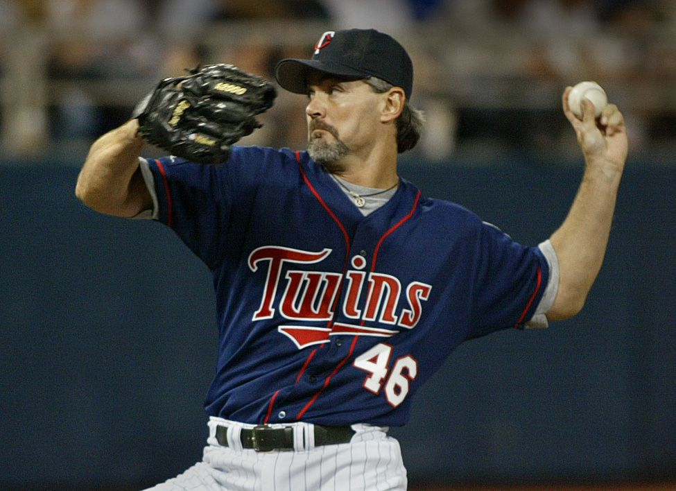 Bruce Bisping/Star Tribune Minneapolis, MN., Saturday, 4/17/2004. Twins # 46 Terry Mulholland pitched against Kansas City. Minnesota Twins baseball game