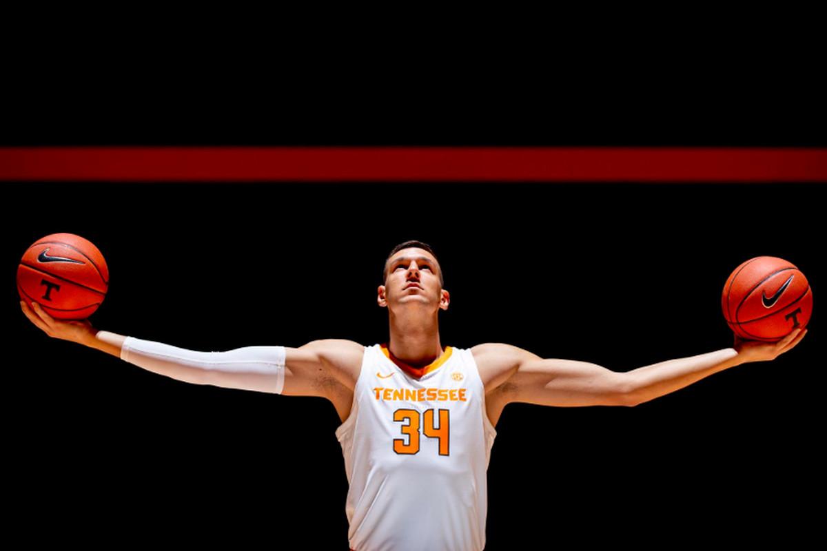 Tennessee Vols Basketball Uros Plavsic