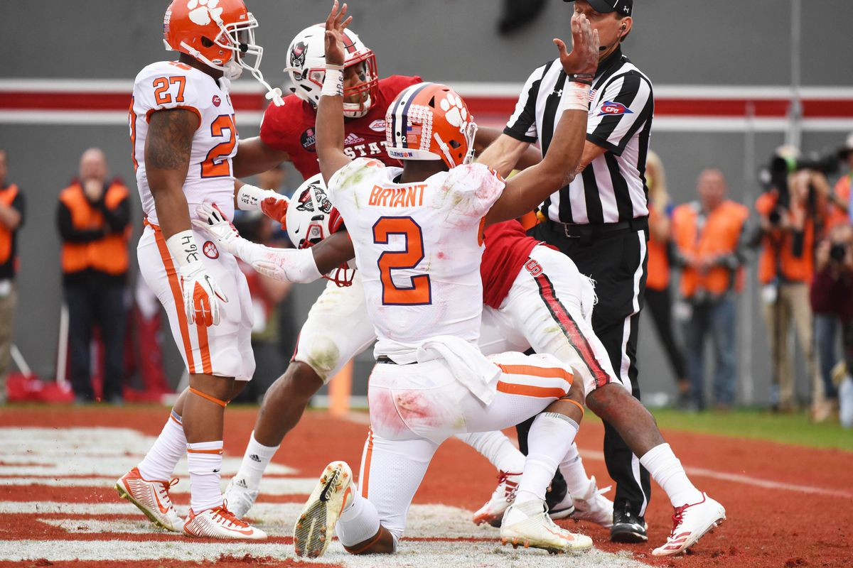 Clemson Tigers Bruise Ego Of Nc State Wolfpack Dave Doeren