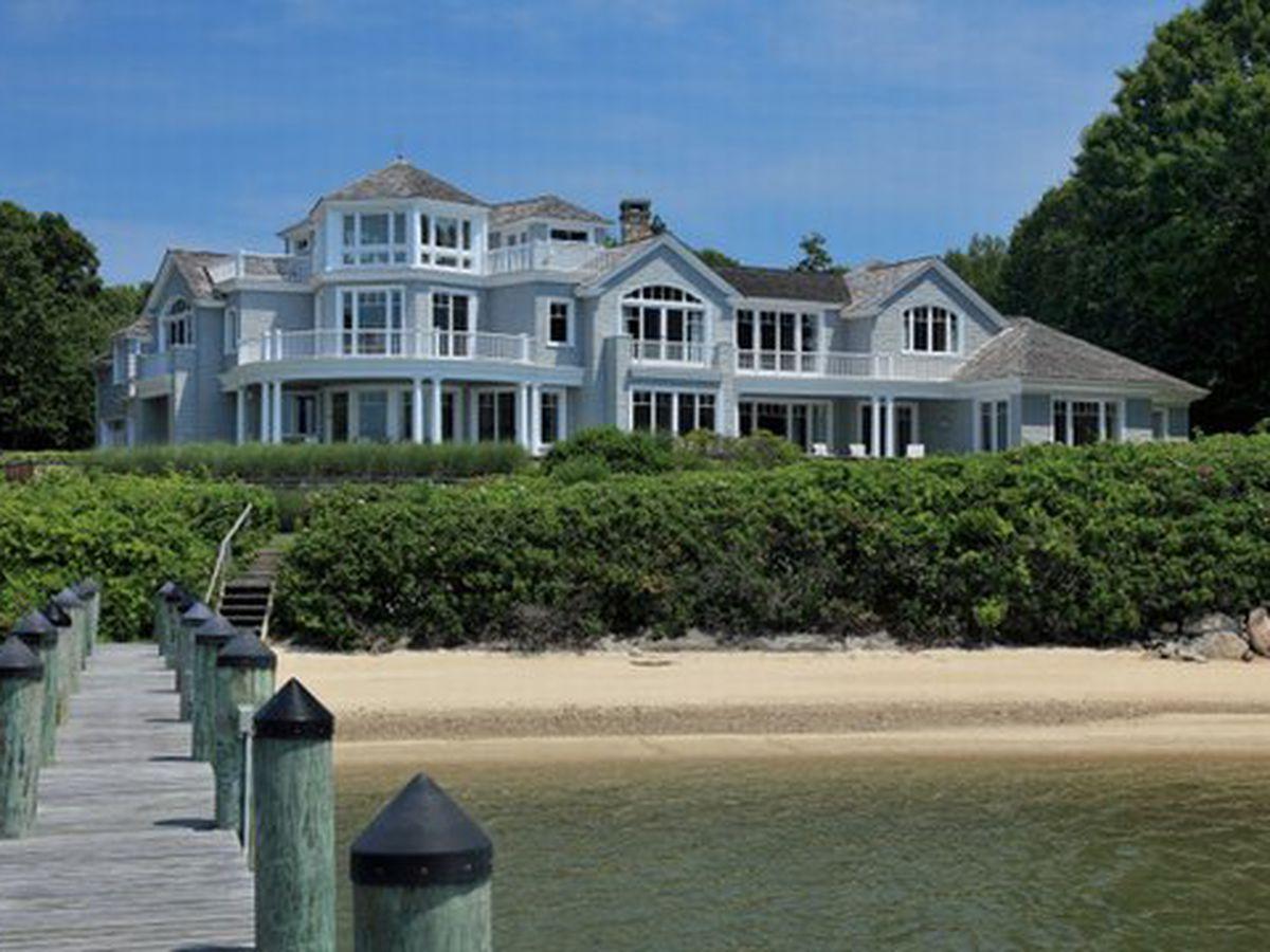 "<a href=""http://www.robertpaul.com/cape-cod-homes-listing.asp?id=637""></a>"