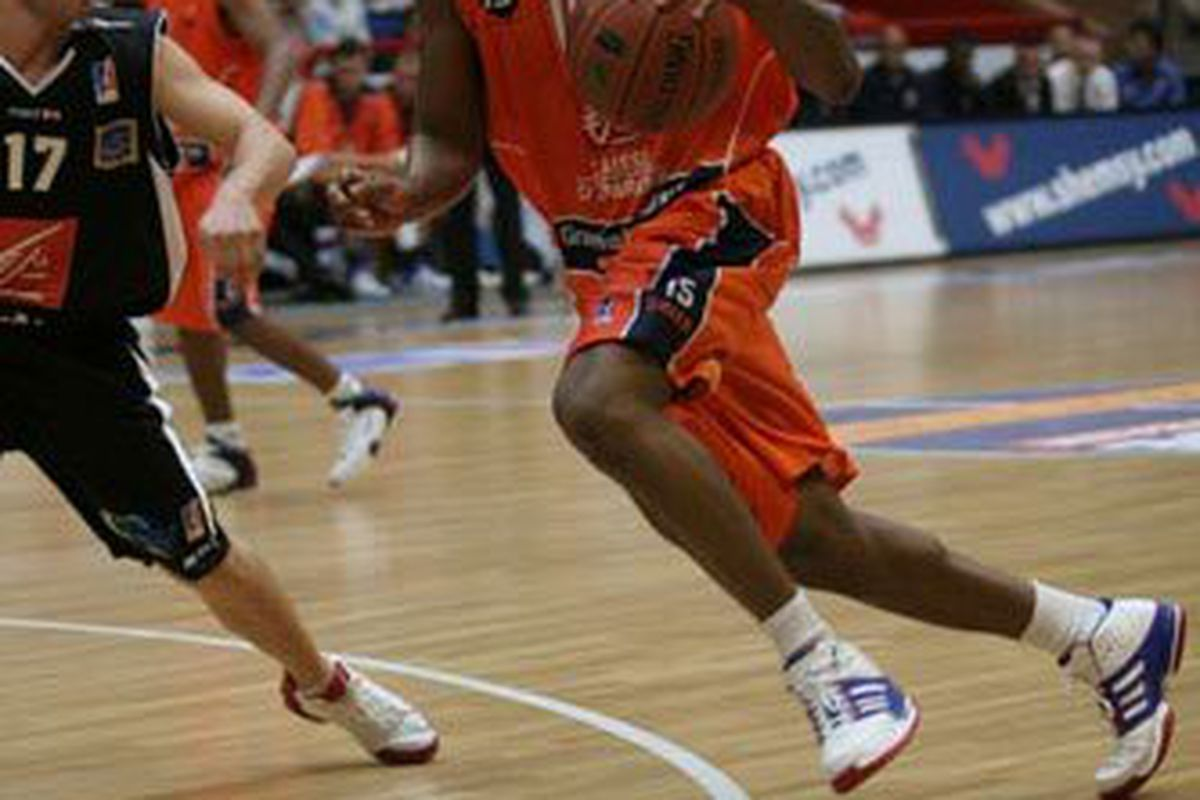 """<a href=""""http://www.bcmbasket.com/Photos/2007-2008/bcm-orleans/slides/IMG_0078site%20BCM.jpg"""">Vincent Grier</a> is one of two players invited to the Wizards' training camp."""