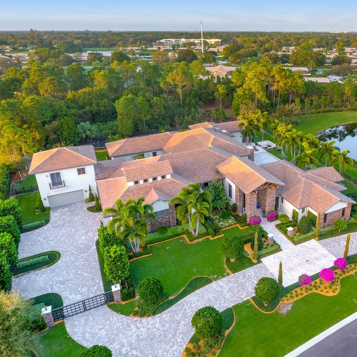 Golfer Louis Oosthuizen lists Palm Beach estate for $7.5M - Curbed Miami