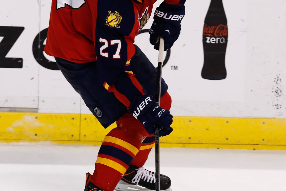 Rookie F Nick Bjugstad brings a three-game point streak (1G/2A) into Tuesday's match.