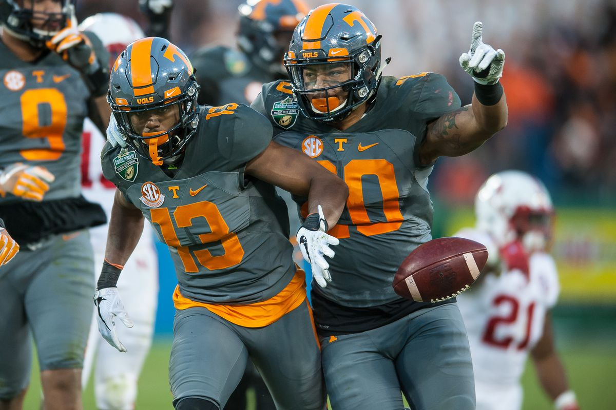 purchase cheap 3d502 c7368 Report: Tennessee will no longer wear 'smokey grey ...
