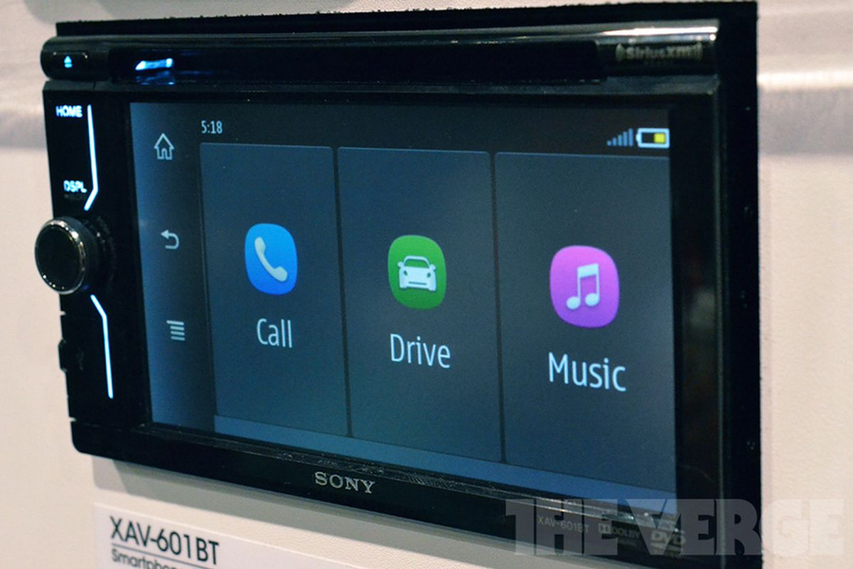 Sony's new MirrorLink-enabled car head units put your