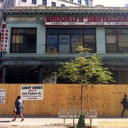 "Shake Shack Brooklyn via <a href=""http://www.brownstoner.com/blog/2011/08/clearing-the-way-for-the-fulton-mall-shake-shack/?stream=true"" rel=""nofollow"">Brownstoner</a>"