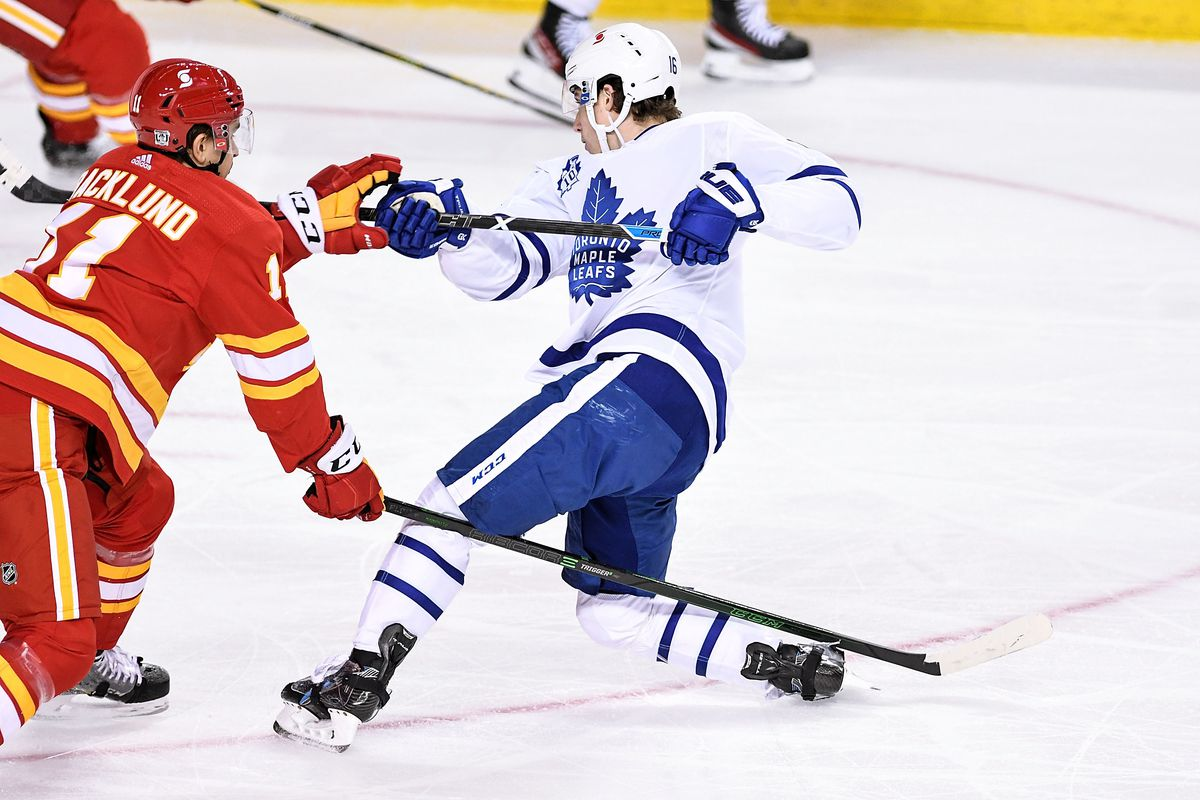 NHL: JAN 26 Maple Leafs at Flames