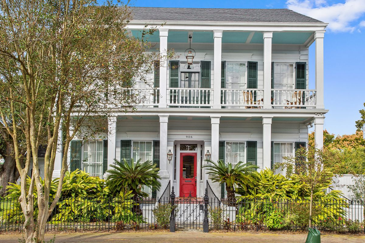 A roundup of six 19th-century vacation rentals in New