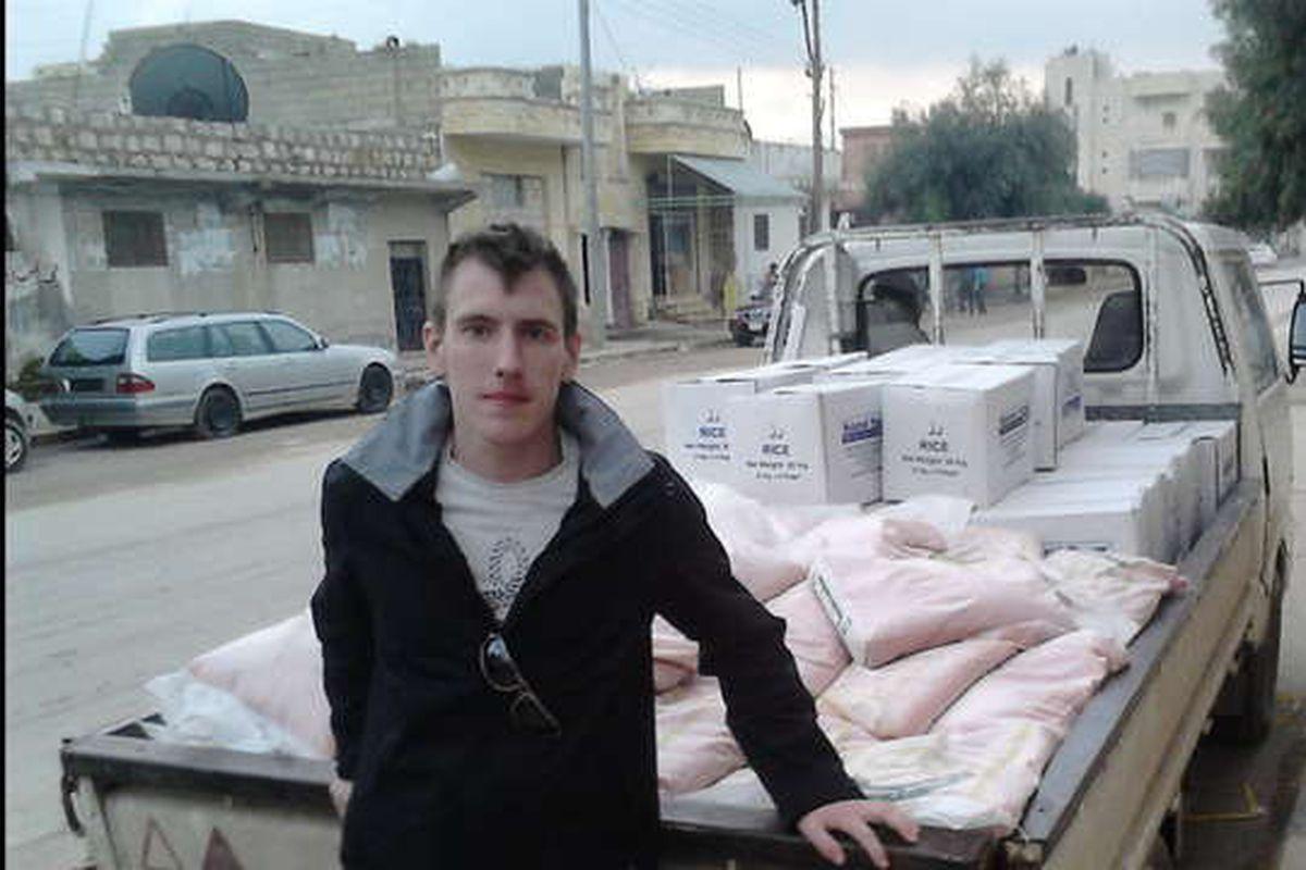 Peter Kassig doing humanitarian work in Lebanon