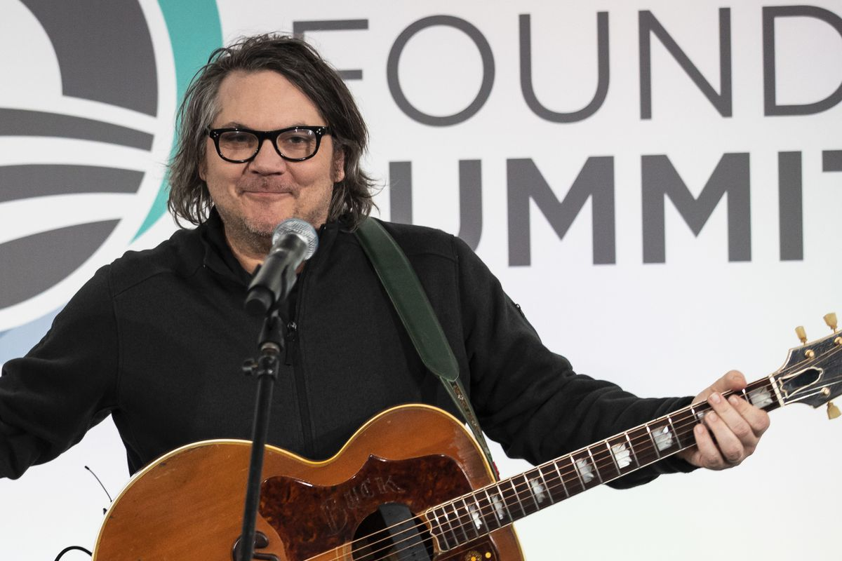 Jeff Tweedy's house shot at, Wilco frontman's family tells Chicago police