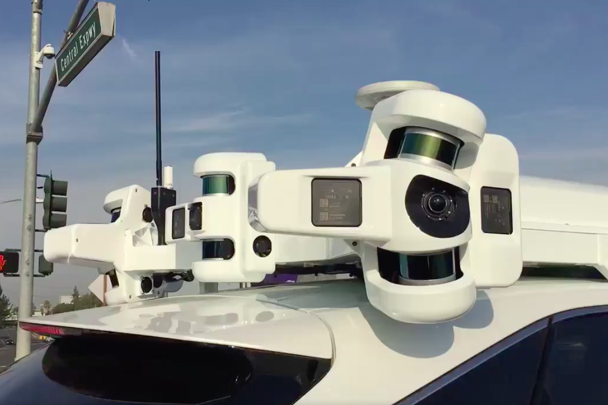 Apple Expands Fleet of Self Driving Cars in California