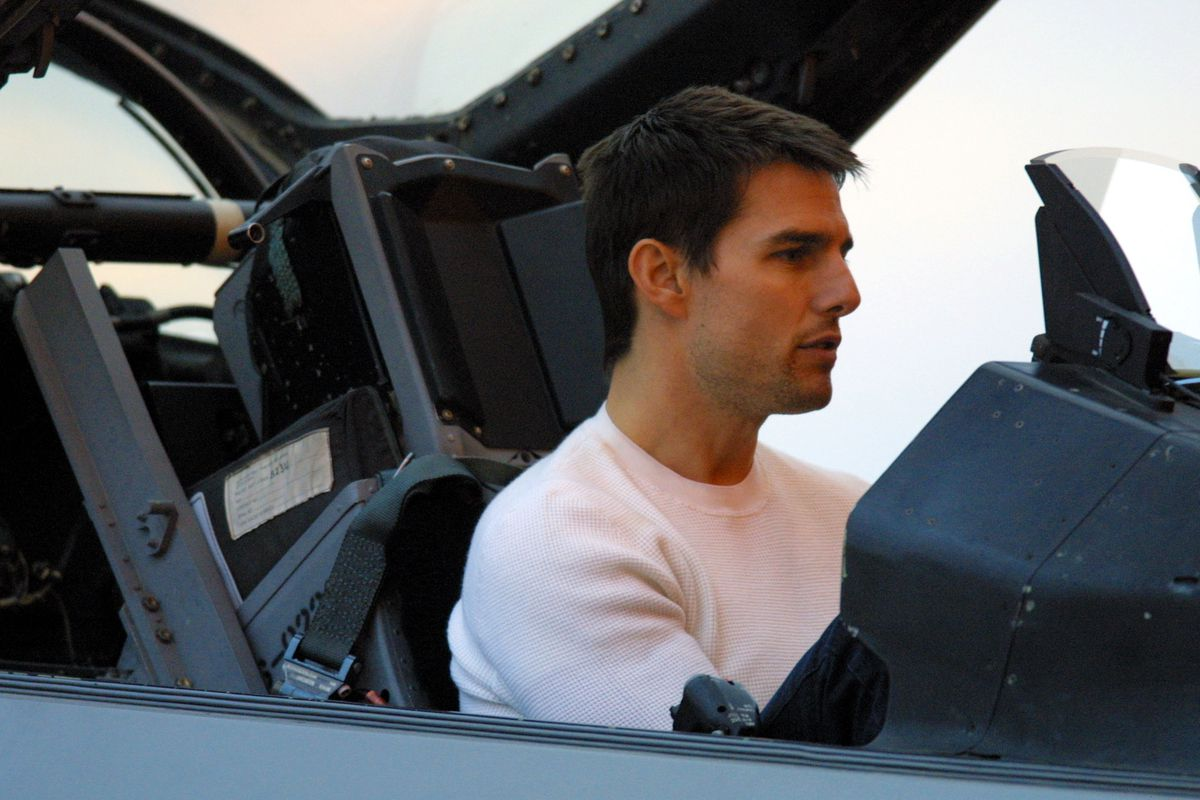 Cameron Crowe and Tom Cruise Visit Base